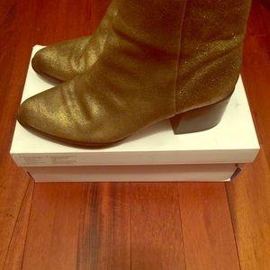 Gorgeous Gold Sam Edelman Boots 😌
